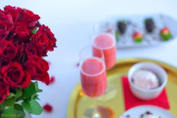 Low Carb Erdbeer Bellini