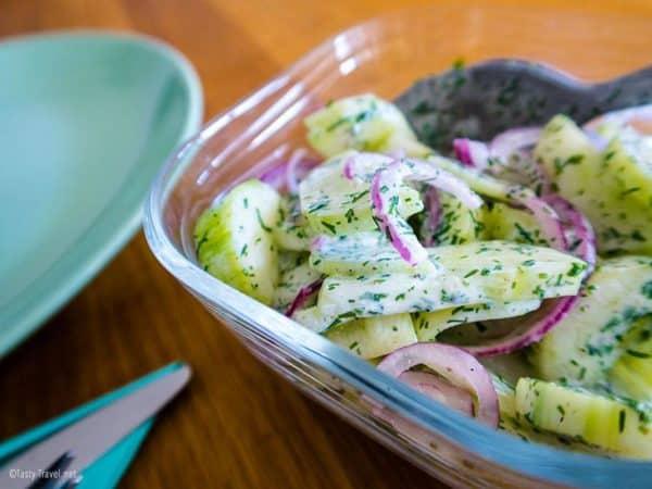 ketogener-gurkensalat