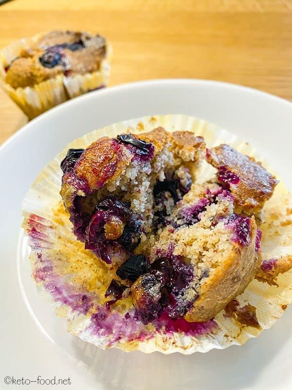 Low Carb Blaubeer Muffins